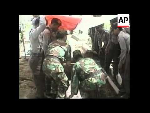 INDONESIA: ACEH: FUNERAL OF POLICEMEN KILLED IN CONFLICT