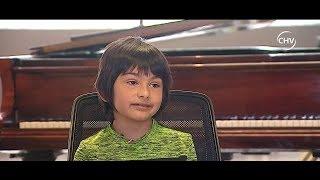 La historia de un niño de seis años que tocó junto a Roberto Bravo - CHV Noticias