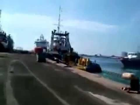 Tugboat Accident Psalm 1 Slams into the dock and 2 other vessels
