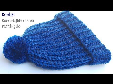 Gorro tejido con un rectángulo a crochet