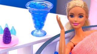 Выбираем подарок для Барби на 8 марта - Видео про кукол