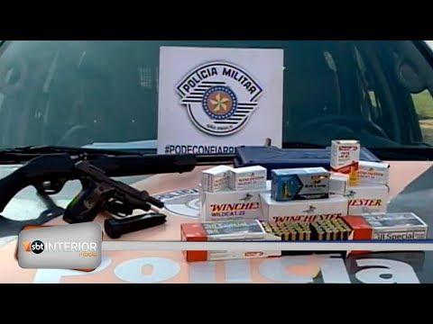 Polícia apreende centenas de munições e armas de fogo com homem