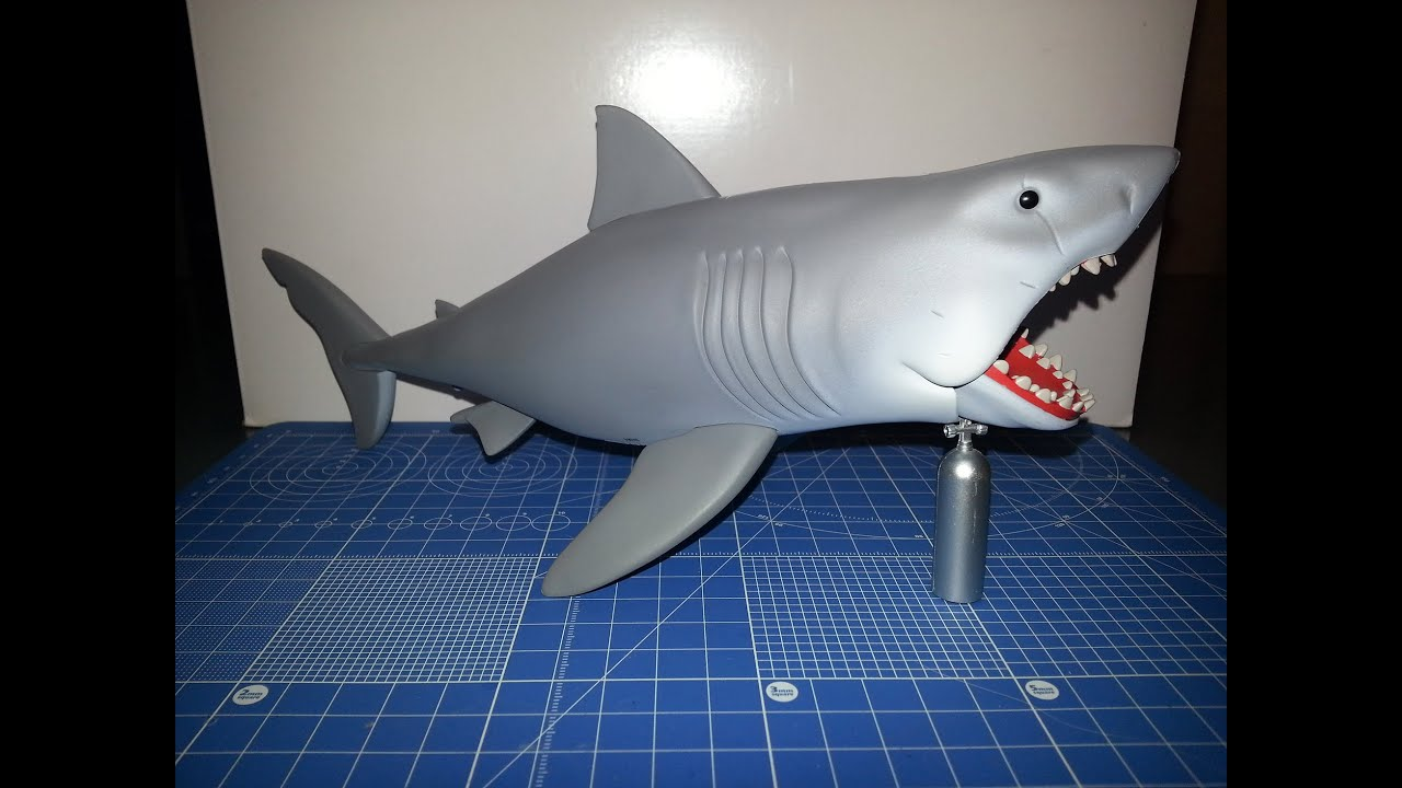 Great White Shark Jaws Toys : Funko reaction jaws great white shark figure review