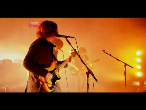 Arctic Monkeys - Pretty Visitors - Live at Reading Festival 2009 [HD]