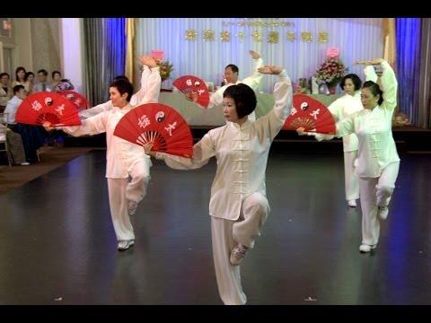 Toronto Kung Fu Fan Dance   Gong Fu Fan Dance   A Chinese Traditional Folk Dance 中国功夫扇舞 - 康琪会十七周年会庆