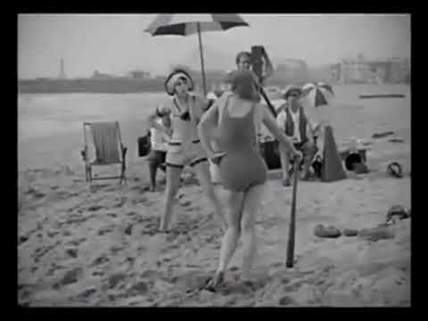 Thelma Hill & The Sennett Bathing Beauties Catfight