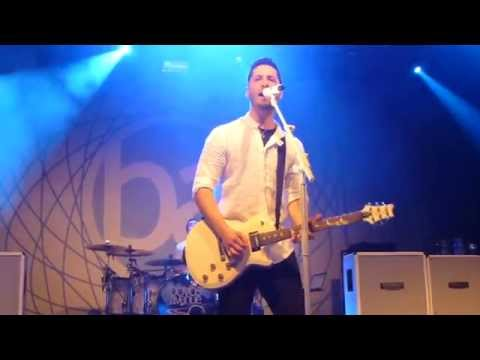 Boyce Avenue - One Life (live in Vienna)