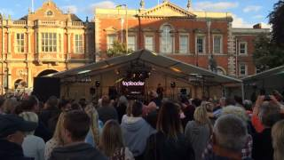 Toploader live at Hobble on the Cobbles Aylesbury 2014 first song