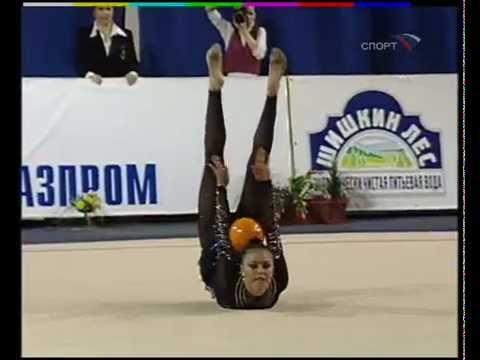 dzhuletta-rossiyskaya-gimnastka-video-smotret-eroticheskoe-foto-hudishka