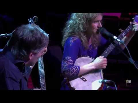 "Bela Fleck & Abigail Washburn - ""Railroad"" (eTown Webisode #671)"