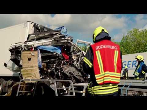 Schlimmer Unfall auf der A2 bei Bad Nenndorf: 40-Tonner fuhr in Stauende