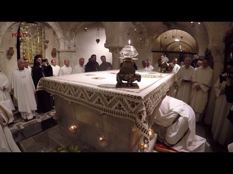 9 Maggio 2017 Basilica San Nicola - Bari: L'estrazione della sacra Manna dalla tomba del Santo