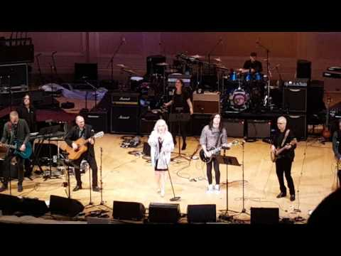 Debbie Harry does Bowie's Starman