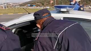 I kërcënon me thikë dhe iu grabit çantën çiftit, arrestohet 27-vjeçari në Lushnje