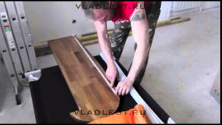 Монтаж лестницы из дуба с подсветкой ступеней