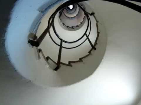 EScalera caracol torre masia freixa - YouTube