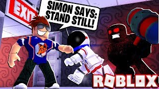 SIMON SAYS TROLLING IN ROBLOX FLEE THE FACILITY!
