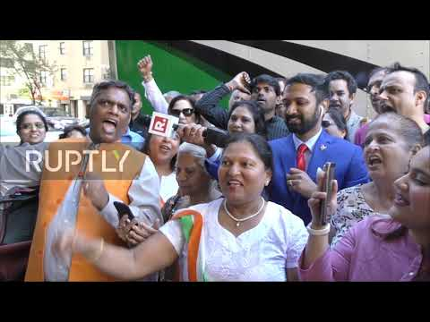 usa:-protest-against-indian-pm-modi-met-with-counter-demonstration-in-new-york