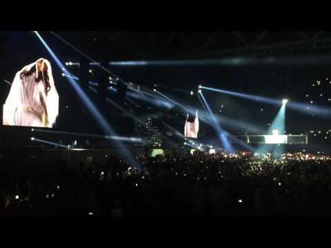 Rihanna - Woo (Anti World Tour - Lille - Stade Pierre-Mauroy)