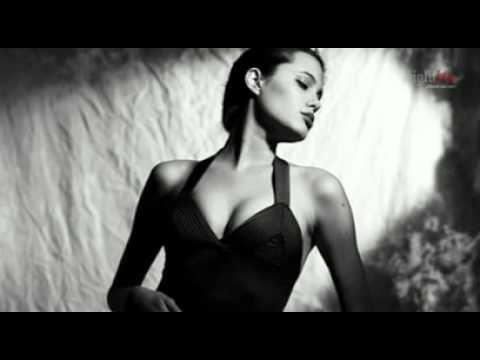 Fotos provocativas de Angelina Jolie