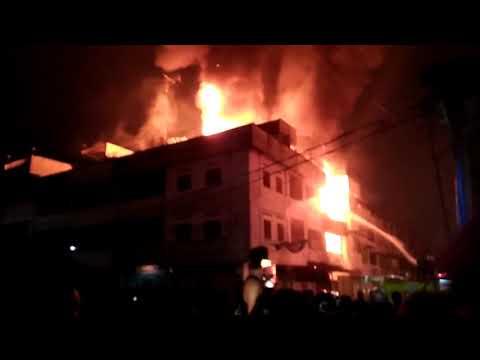 Kebakaran di pasar horas 18-09-2017 malam