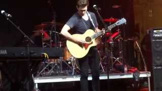 "Andy Grammer covers ""Chasing Cars"" June 6, 2014"