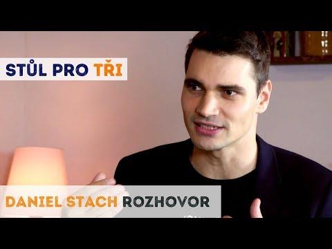 Daniel Stach: Náš největší problém je, že lidem přestává vadit lež | Neurazitelny.cz | Stůl pro tři