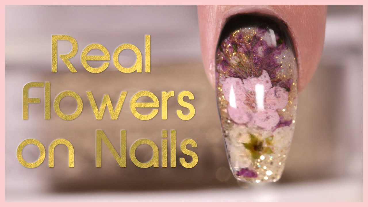 How to Encapsulate Dried Flowers with Dip Powder Nail Art Tutorial ...