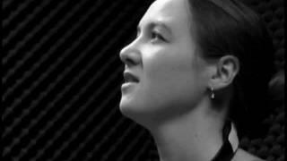 "TREBLE  CLEF  LIVE  -  SOPHIE  HUNGER  ""Die  Fahrenda"""