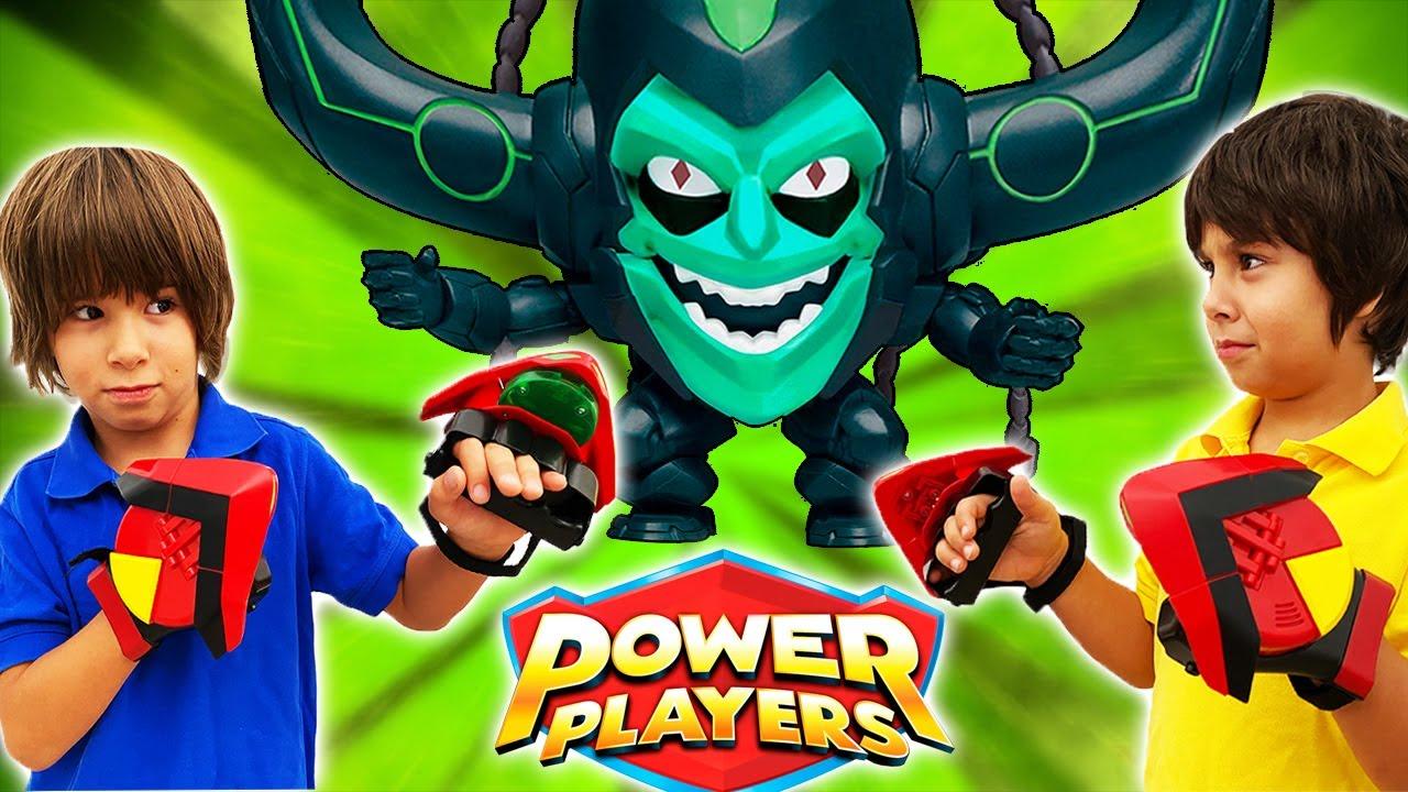 DANI y EVAN y el PODER de los POWER PLAYERS combaten al malvado MADCAP