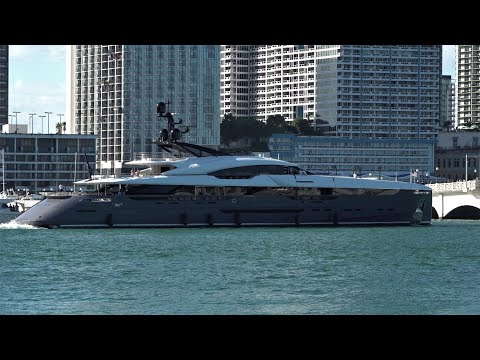 The Super Yachts are arriving to Miami !