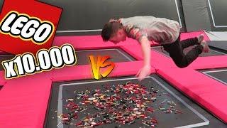 10.000 LEGOS VS CAMA ELÁSTICA!! [bytarifa]