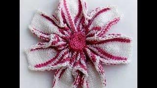Сборка цветка для декора. Фрагмент МК по вязанию летнего ажурного берета