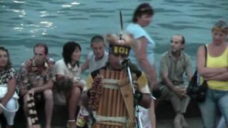Индейцы на набережной в Ялте 2010(красивая музыка).mpg