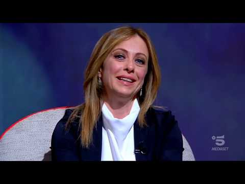 Giorgia Meloni ospite da Maurizio Costanzo a L'Intervista su canale 5. Da ascoltare e condividere