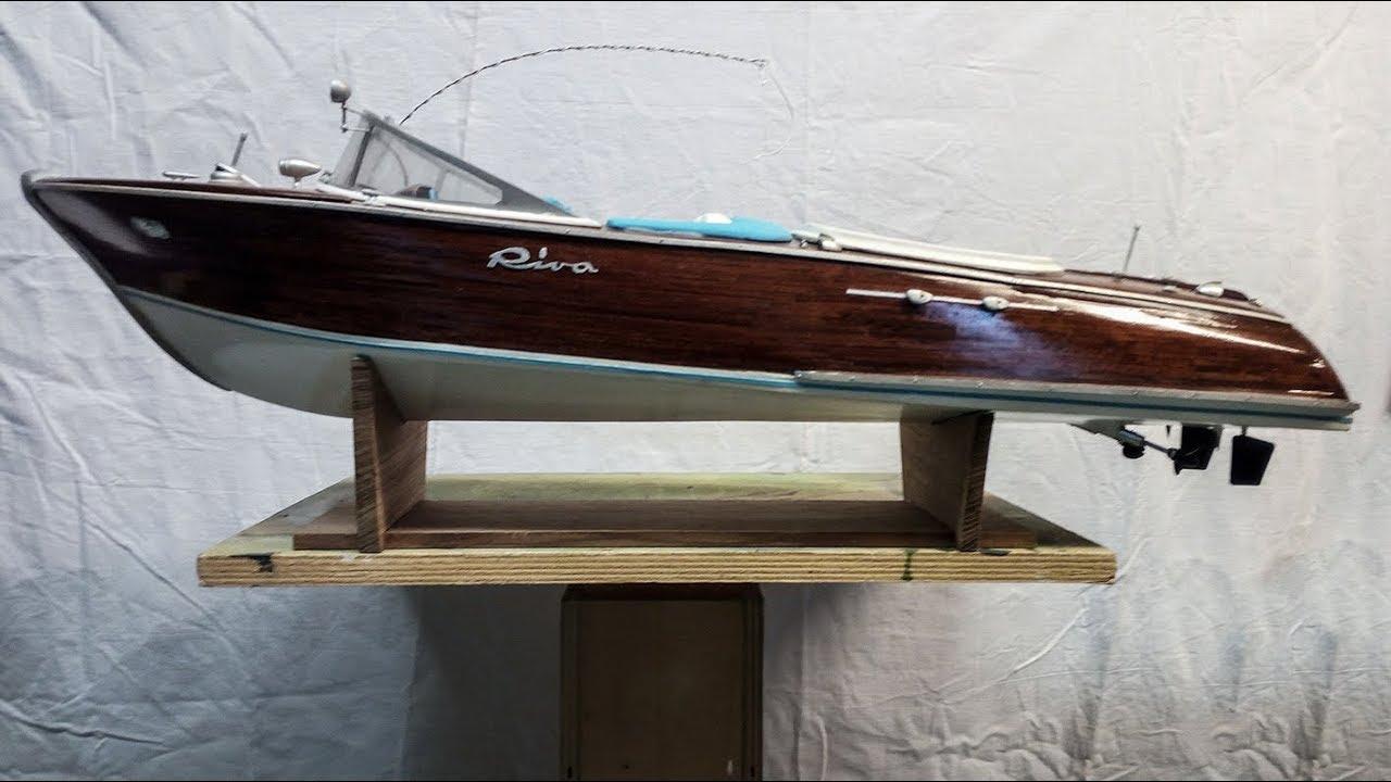 Costruzione modello di motoscafo riva aquarama youtube for Motoscafo riva aquarama
