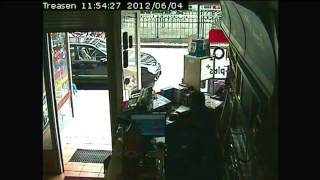 Raw Video: Security camera captures Magnotta arrest