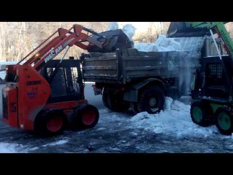 Минипогрузчики Wecan и Digger. Уборка снега.
