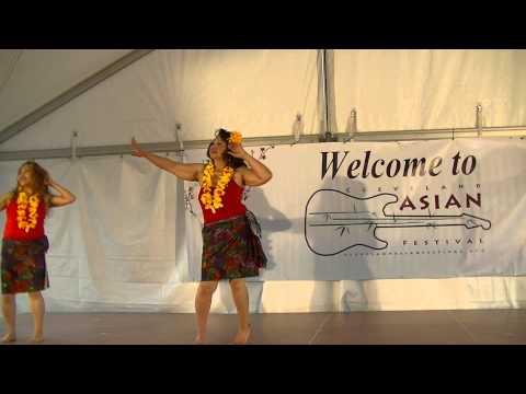 Manivic Pacific Island 3 woman hula Dance