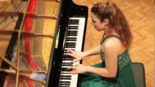 Luisa Splett performs Clara Schumann: Variationen über ein Thema von Robert Schumann