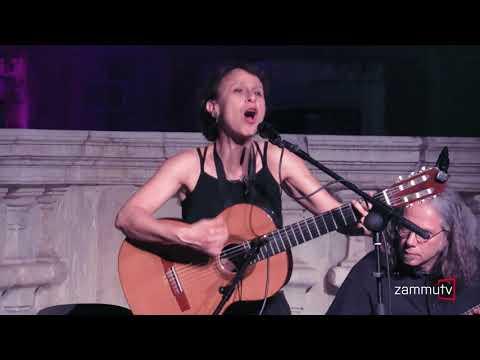 Etta Scollo live per Rosa Balistreri - Abballati abballati