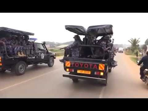 Police beats up Dr. Besigye supporters