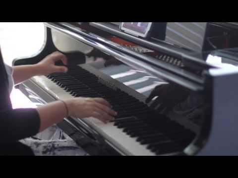 """Cameron hums...!"" An improvisation by Gabriela Montero"