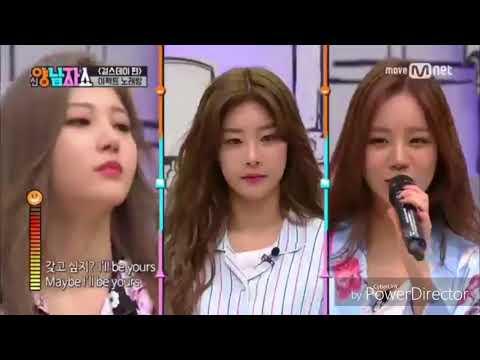 K-idol sing with mic effect 😂