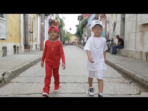 Niños se disfrazan de BAD BUNNY Y ARCANGEL para HALLOWEEN - TU NO VIVE ASI | Tu Canción Favorita