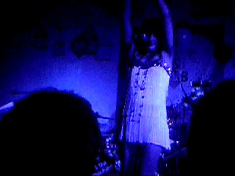 Florence And The Machine - Maps (Yeah Yeah Yeahs Cover) Live At Smash And Grab