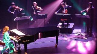 Tori Amos - Nautical Twilight (live - ATL 29.11.11).MP4
