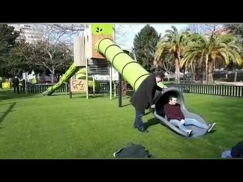 Lores visita el nuevo parque infantil de Campolongo