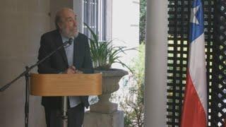 España agasaja al poeta chileno Raul Zurita