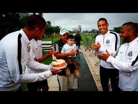 Pequeno Rafael comemora aniversário no CT Rei Pelé | #MuitoAlémdoFutebol